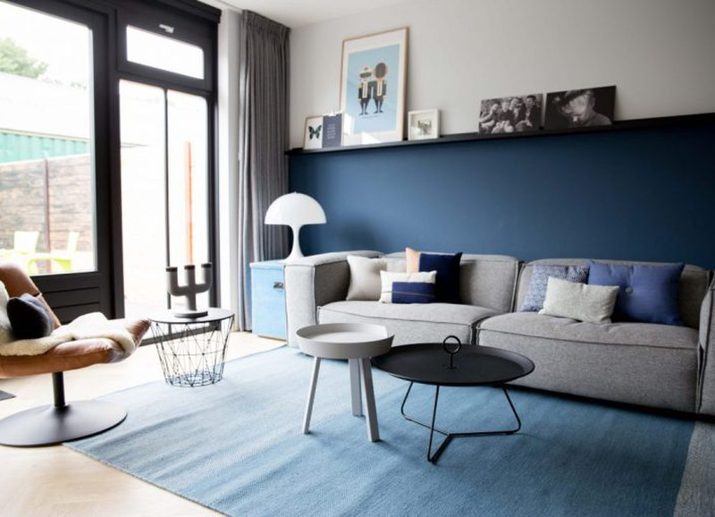 Shop the look: moderne woonkamer met blauwtinten