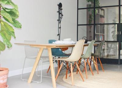 Yay or nay: gekleurde eetkamerstoelen