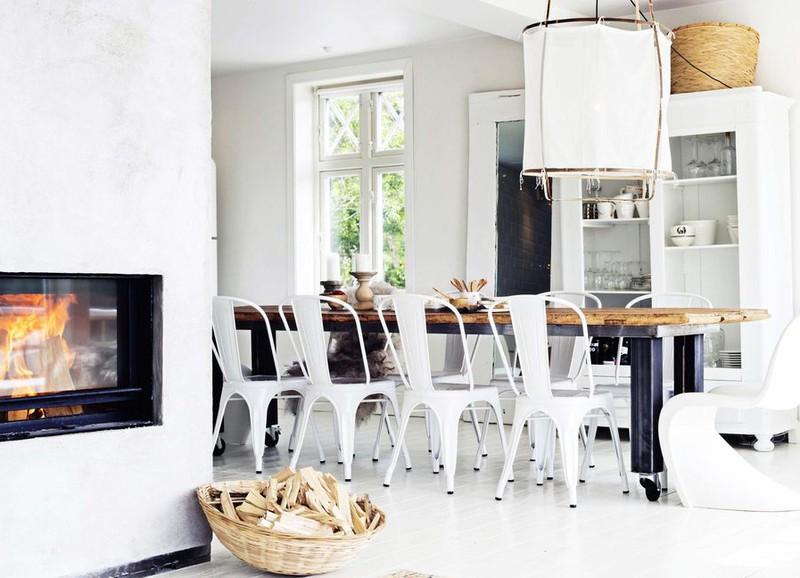 Binnenkijken in dit scandinavische huis met stoere en warme