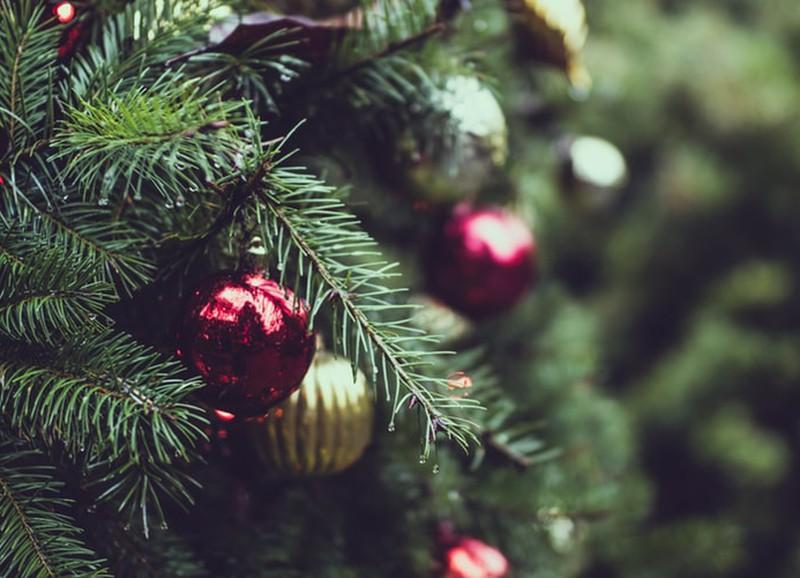De grappigste ornamenten om in je kerstboom te hangen
