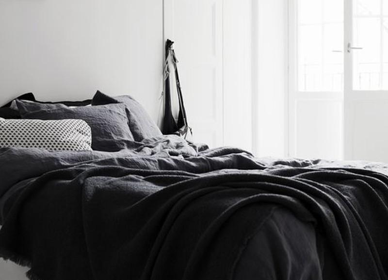 Zwart als blikvanger in je slaapkamer