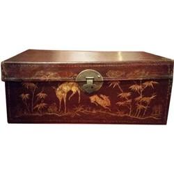 Fine Asianliving Antieke Chinese Kist met Gouden Schilderingen
