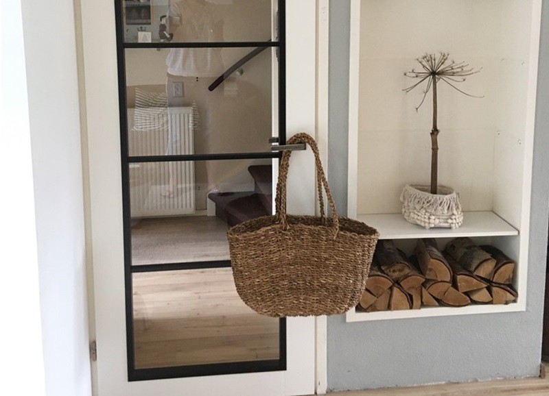 Shop the look: Grijs-wit interieur met houten accenten