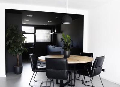 Geheel zwart interieur saai: dit interieur bewijst het tegendeel!